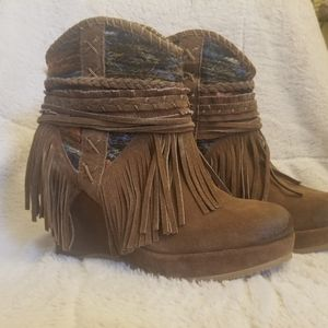 Bootie shoes